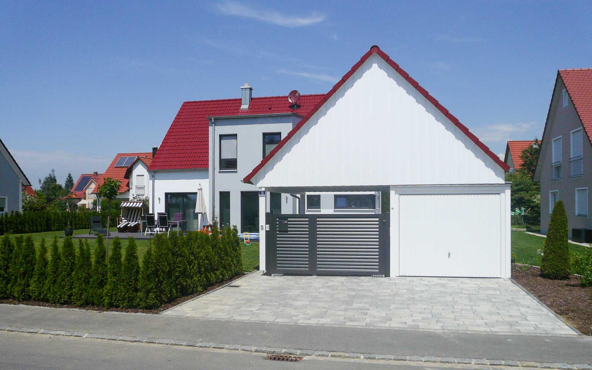 Favorit Klassisches Satteldach-Haus modern interpretiert   mkm traumhäuser VE66